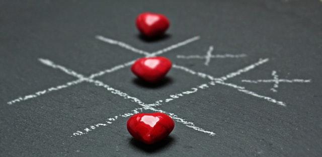 לבבות באיקס עיגול